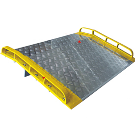 Dock Board with Curbs